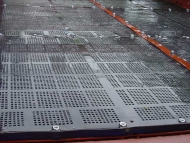Rubber Plan Screen Deck Installation
