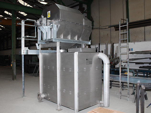 GAPARATOR IRS (Internal Rotary Screen) with Transfer Tank and Access Platform for Dr. Oetker